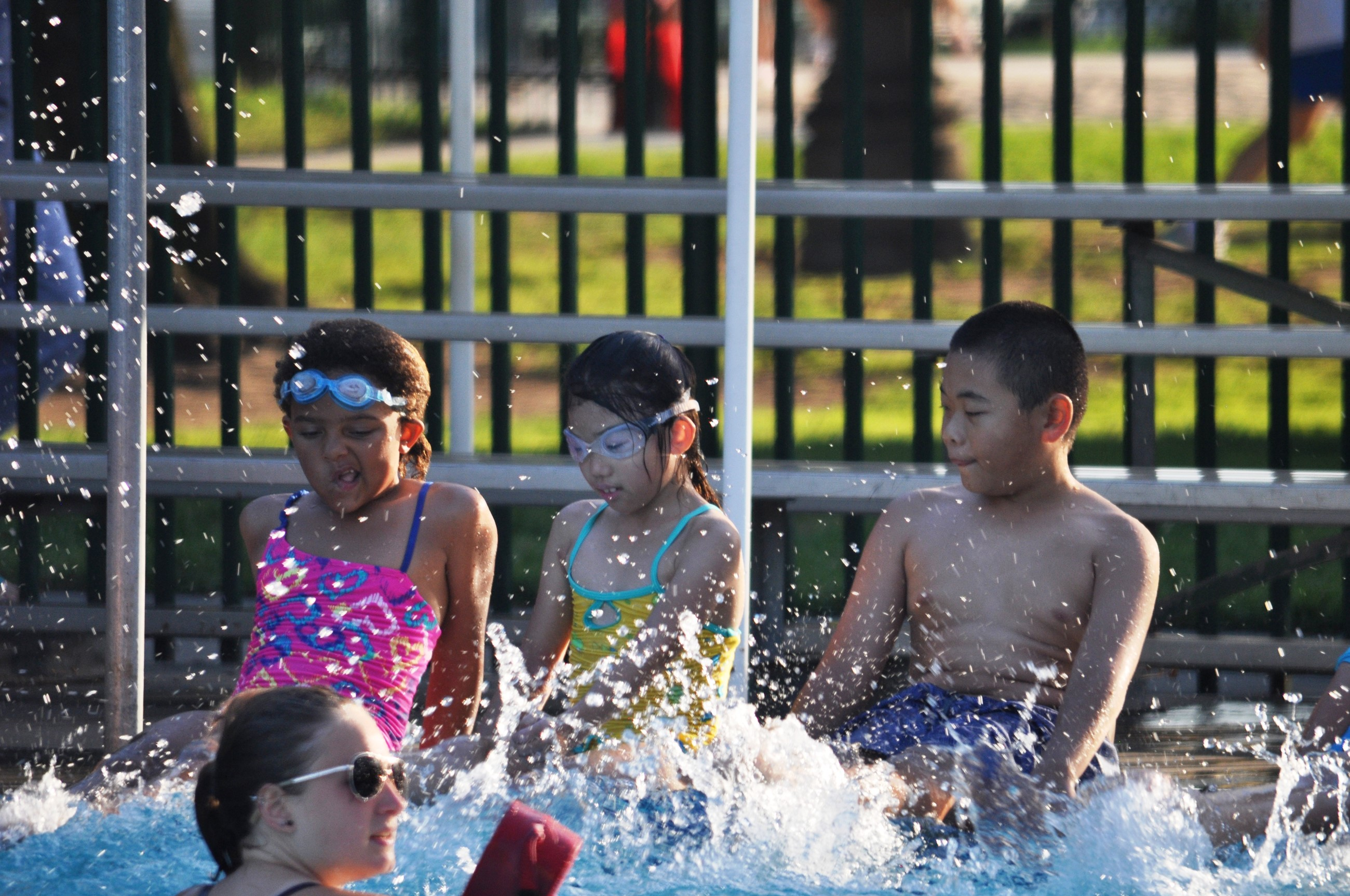 swim lessons instruction pool learn to swim smith park splash lifeguard