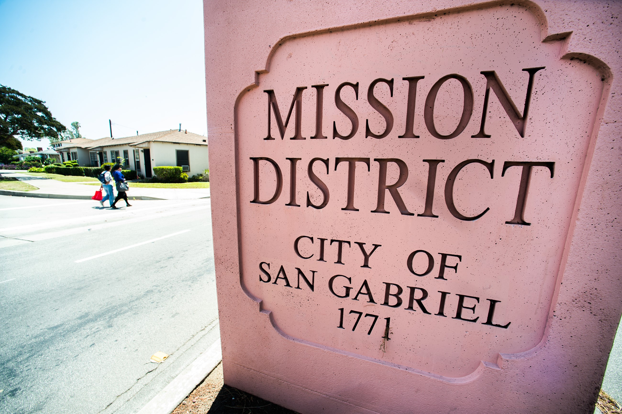 Mission District Sign
