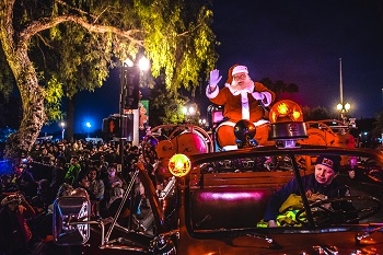 santa tour of the city