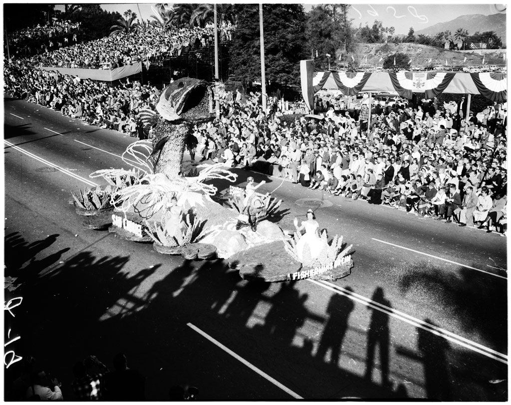 Early Rose Parade Float