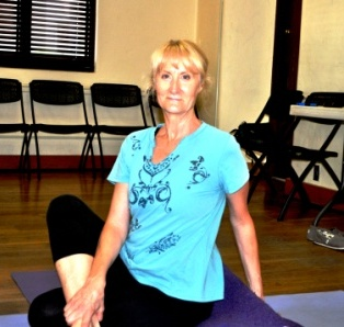 yoga fitness health healthy san gabriel community services parks and recreation padillo room classes diane beglin meditation